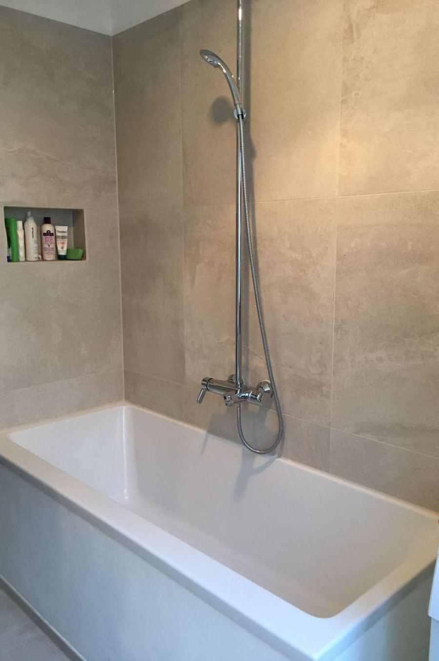 bodenebene dusche, barierrefreies wohnen, mosaik, mauern, verkleiden