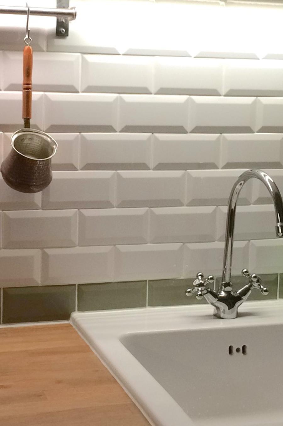 Küchenarbeitsplatten aus Naturstein, Küchenspiegel Fliesen